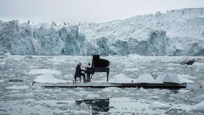 Un piano de cola se escucha para salvar al Ártico