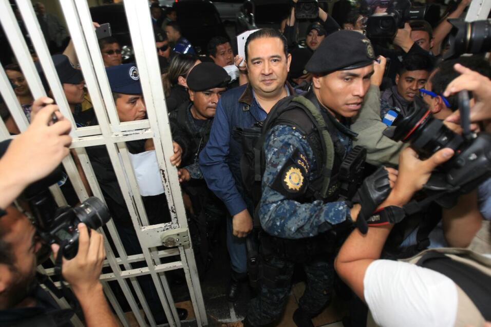 El hermano del presidente, Sammy Morales, fue detenido en la maña...