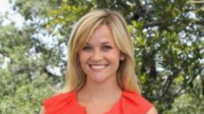 La actriz estadounidense Reese Witherspoon fue golpeada por un automóvil...