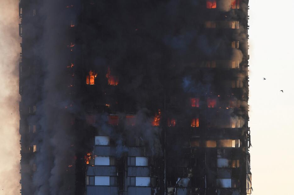Un proceso de evacuación está en marcha también en los edificios cerca d...