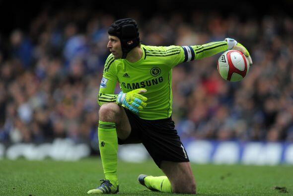 Cech no entendía lo mal que reaccionaba su defensa, en un juego q...