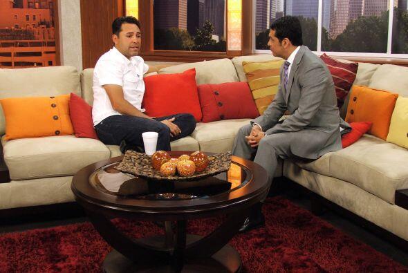 Oscar de la Hoya visitó Vive la Mañana (Fotos cortesía de Diana Cotter)