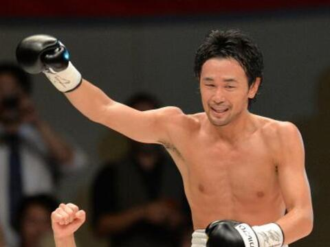 El japonés Shinsuke Yamanaka retuvo el título gallo del CM...