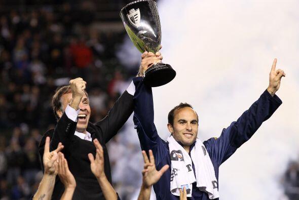 Con el equipo angelino saldría campeón en la Copa y la Liga en la MLS.Má...