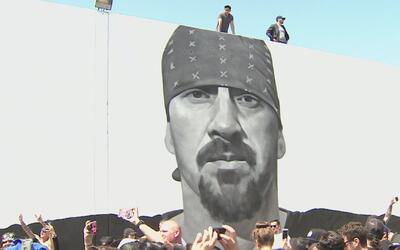 El impresionante mural en honor a Mike Muir, vocalista de Suicidal Tende...
