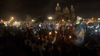 Piden la renuncia del presidente Jimmy Morales por su gestión del desastre en Guatemala