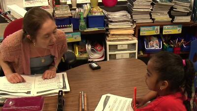 Distrito Escolar de Houston busca contratar a 35 maestros bilingües antes del inicio del año escolar
