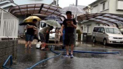 La Agencia Meteorológica de Japón mantiene la alerta en la gran mayoría...