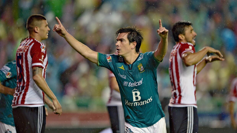 León vence a Chivas