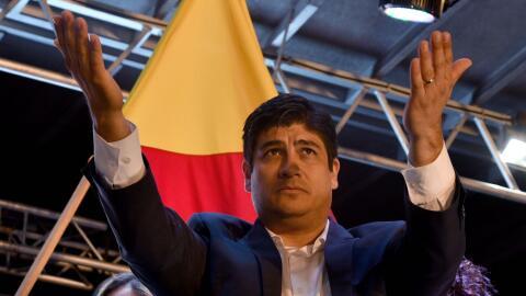 Carlos Alvarado superó ampliamente a su contrincante en el balota...