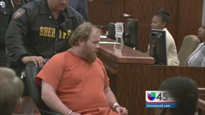 Se desmayó Ronald Haskell en corte