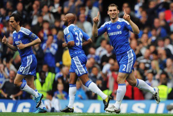 Chelsea se puso en ventaja con anotación de Branislav Ivanovic.