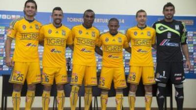 Tigres presentó a sus nuevos jugadores para el torneo Apertura 2014.