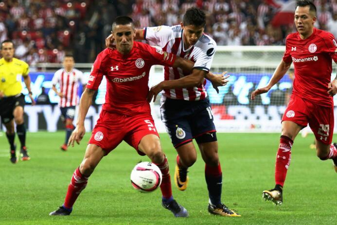 El campeón debutó con poco brillo ante Toluca 20170722_5832.jpg