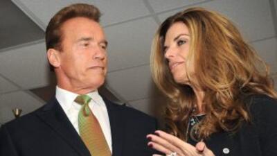 La megaestrella del cine y luego político Arnold Schwarzenegger y su muj...