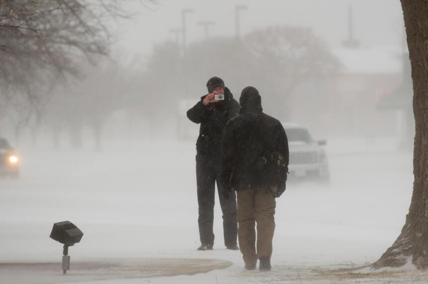 Desastres en varios estados por tormentas, lluvias y nieve nevada-texas5...