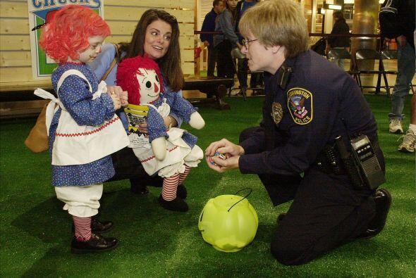 Si lo crees necesario y la policía local la ofrece, pide al departamento...