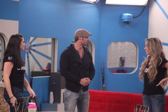 Adrián dijo que se identifica mucho con el actor. Andrea estuvo feliz de...