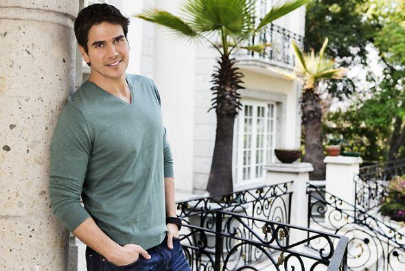 Comenzamos con Pablo Martínez Negrete (Daniel Arenas), quien tiene a un...