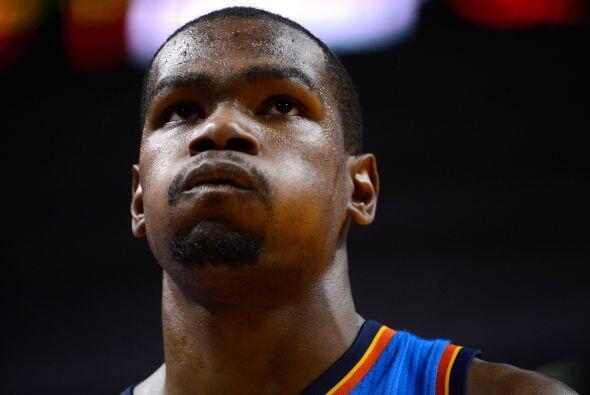 Kevin Durant anotó 32 puntos en sus primeras Finales, es muy joven pero...