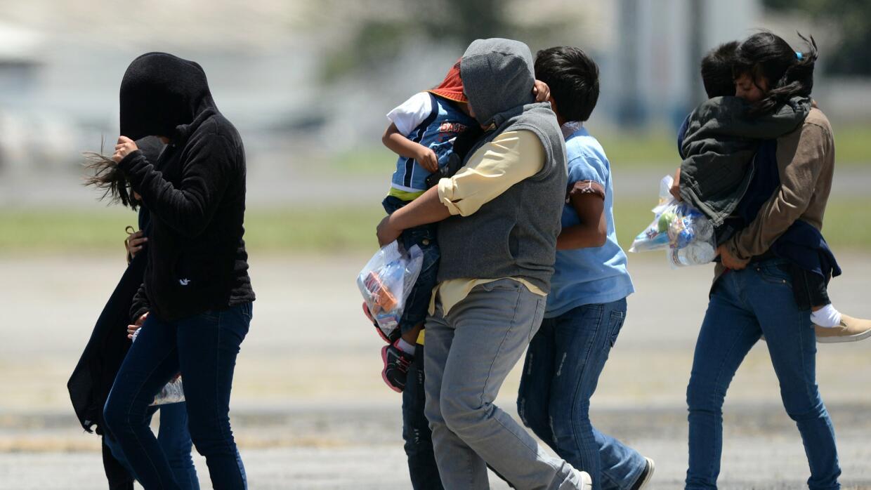 Por las pandillas, los migrantes ya no consideran seguro dejar a sus hij...
