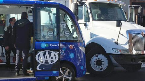 Esta imagen muestra al autobús autónomo minutos despu&eacu...