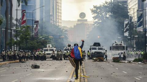 Venezuela se encuentra paralizada por las protestas contra Maduro desde...