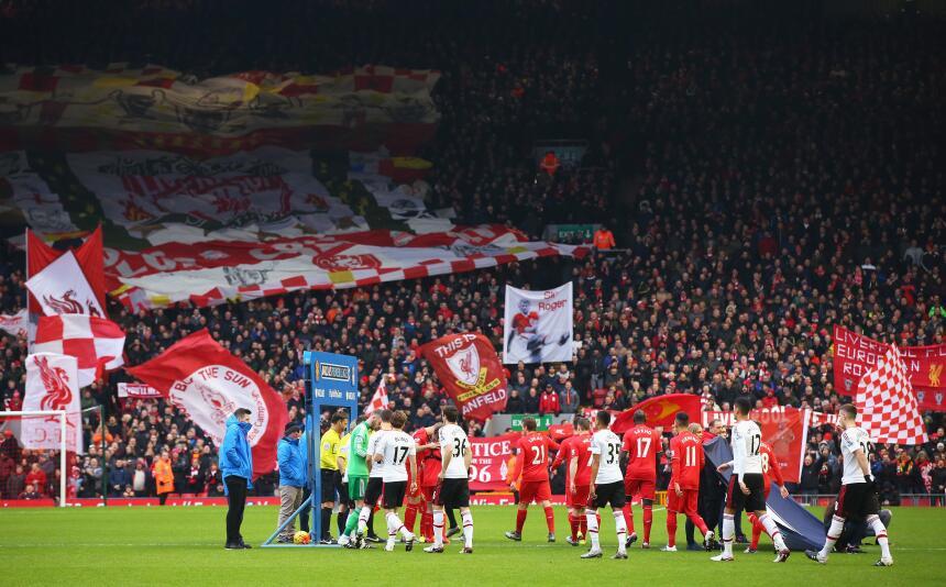 Man U celebra en la casa del Liverpool