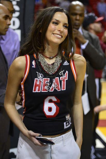 Génesis Rodríguez tomó partido por el Heat de Miami y la bella fue presu...
