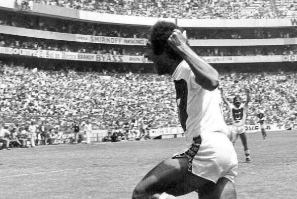 """Evanivaldo Castro, """"Cabinho"""", es una leyenda no sólo de Pumas sino del f..."""