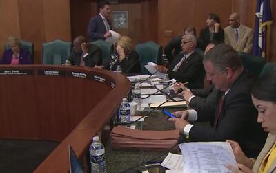 Asistencia para que empleados de la ciudad de Houston soliciten ciudadanía