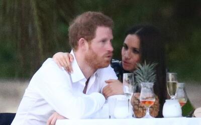 El príncipe Harry celebra el cumpleaños de su novia, la ac...