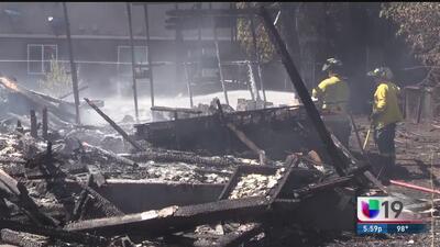 Voraz incendio consume vivienda en Stockton