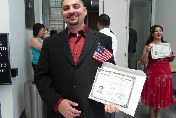 ¨Voy a registrarme hoy mismo si se puede¨, dijo Armando Ochoa, quien viv...