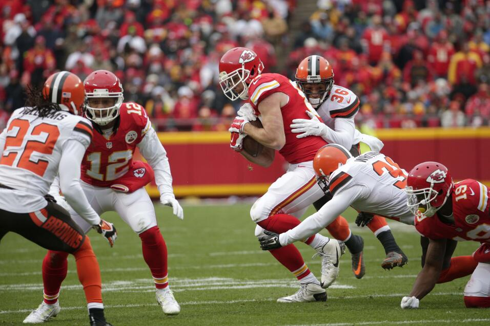 Los Kansas City Chiefs le ganaron 17-13 a los Cleveland Browns, ligan 9...