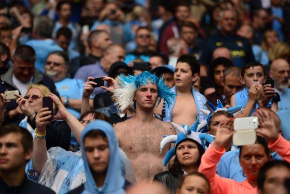 Los aficionados del Manchester City se dieron cita en el mítico W...
