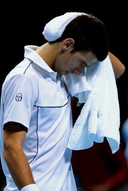 Djokovic encaja su segunda derrota consecutiva en el O2 Arena londinense...