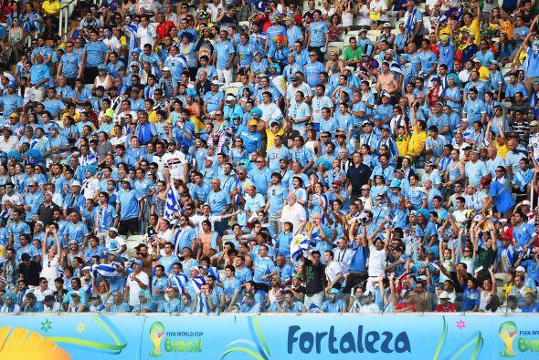 Miles de Uruguayos se dieron cita en fortaleza sin embargo parece que la...