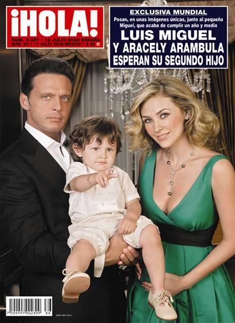 Luis Miguel y Aracely Arámbula posaron en la portada de la revista Hola...