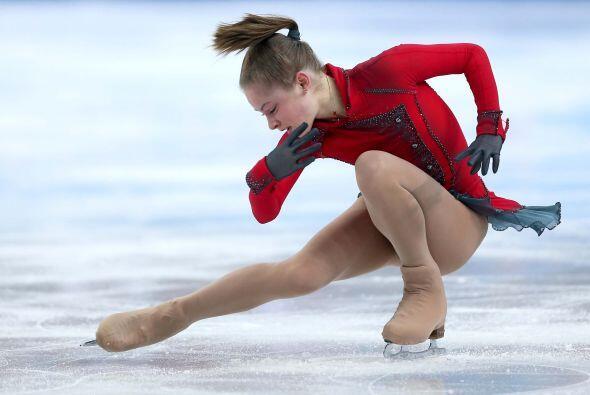 La jovencita Yulia Lipnitskaya, de sólo 15 años, aseguró el oro para los...