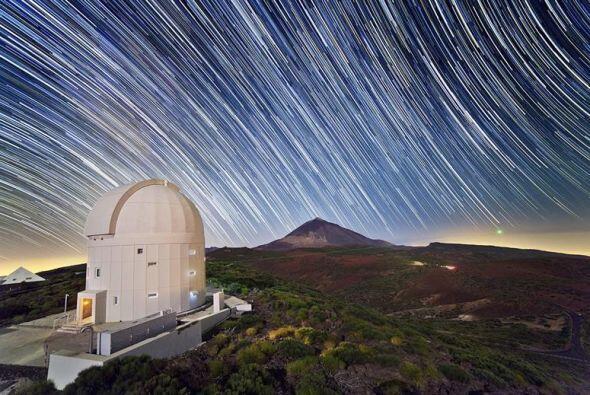 """La Estación """"ptica Terrestre de la ESA ( OGS ) en el Observatorio del Te..."""