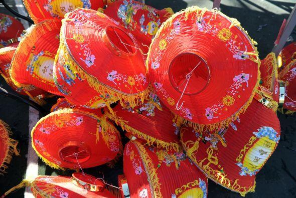 Los habitantes de Chinatown se comunican según el idioma que se hable en...