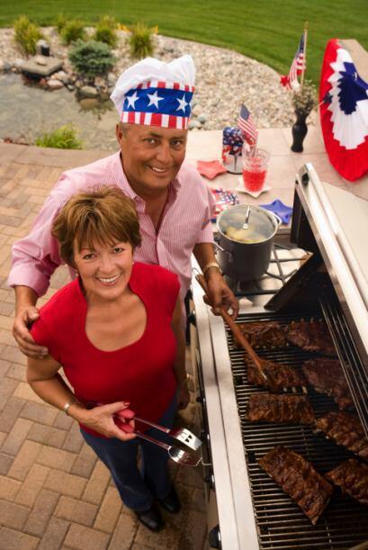 6.Haz una carne asada: invitaa a la familia, amigos y vecinos para una...