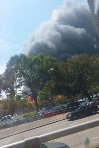 Incendio masivo en apartamentos en construcción en el centro de H...