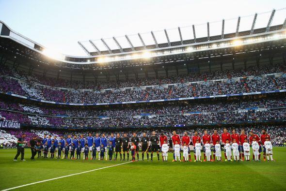 El Santiago Bernabéu lució pletórico para recibir la vuelta de los cuart...