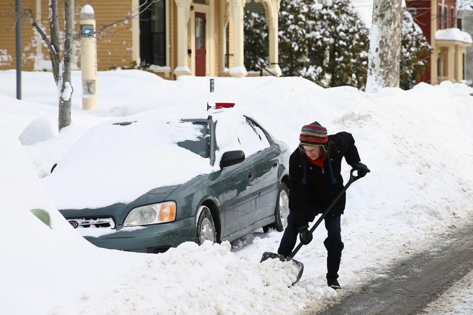 Consejos para manejar en nieve y hielo Washingtom DC January 2016.jpg
