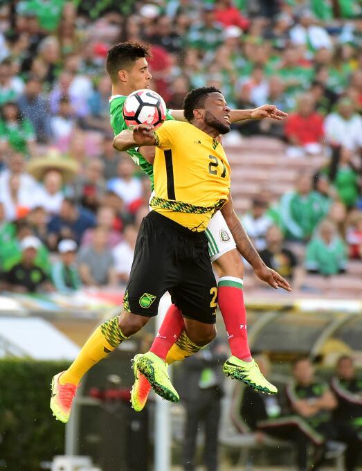 El ranking de los jugadores de México vs Jamaica 46-GettyImages-53913684...