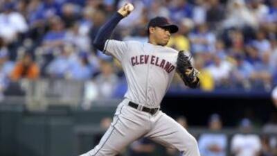 Jeanmar Gómez, abridor venezolano de 24 años de edad de Cleveland, se mo...