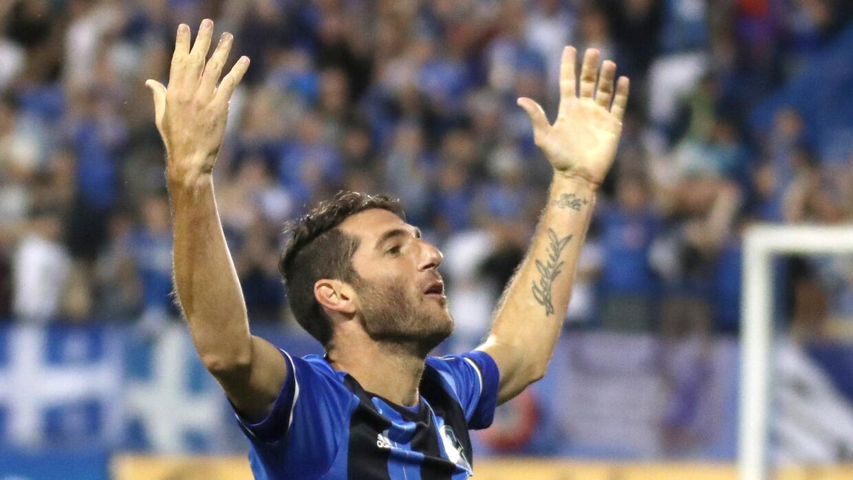 Ignacio Piatti sigue marcando goles mientras negocia su continuidad.