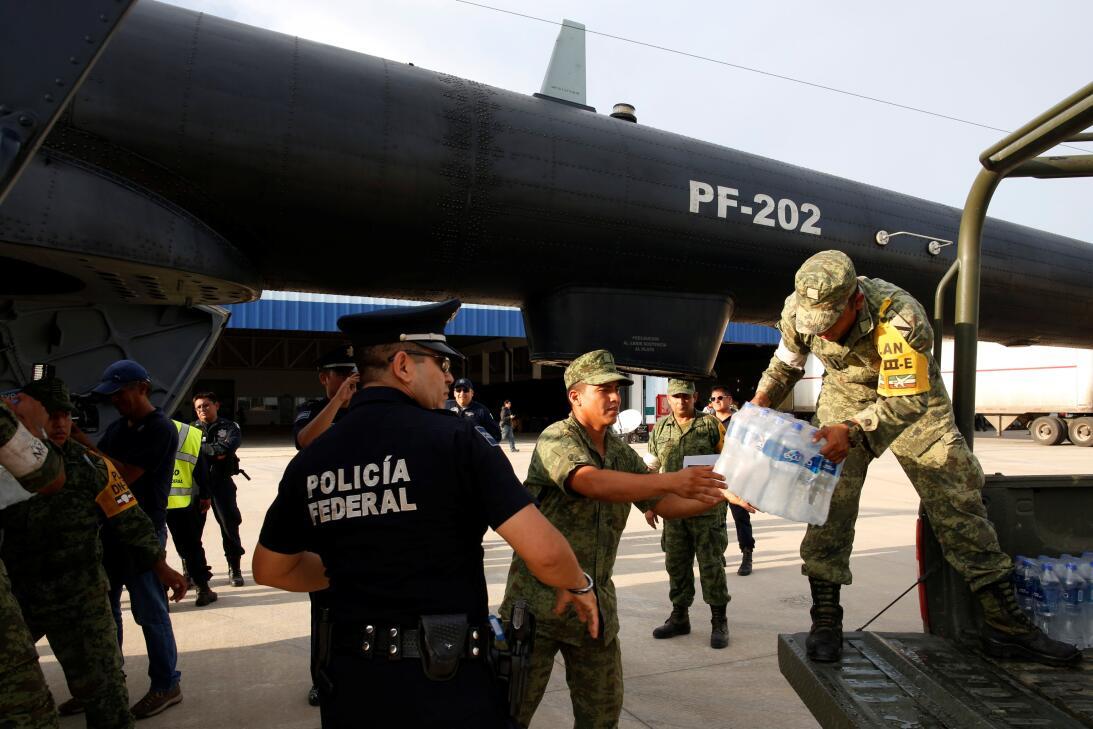 Autoridades y ciudadanos han recolectado y mandado víveres e insumos méd...
